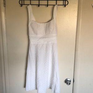 B.Smart Pure White Detailed Dress
